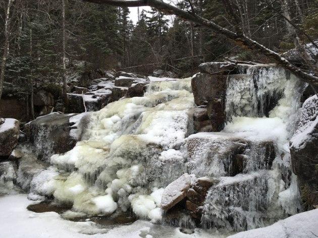 Frozen cascades